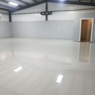 new epoxy floors in a garage